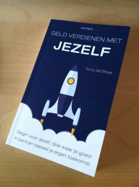 Doe-het-zelf boek voor zelfverdieners: starters, werkelozen, boventalligen & ondernemers in deeltijd.  Inclusief gratis e-boek 'Geld besparen met jezelf'.